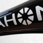 【2003 DAHON BOARDWALK】dahonデカール(黒→白)貼り替え