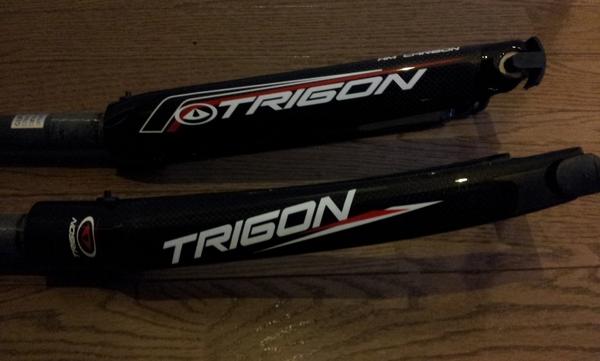 TRIGON20インチカーボンフォーク RC46とRC55